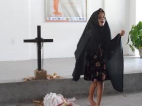 Felicia Sales, vencedora em 3° lugar do 4º Festival Infantil de Declamação de Poemas de Antônio de Castro Alves